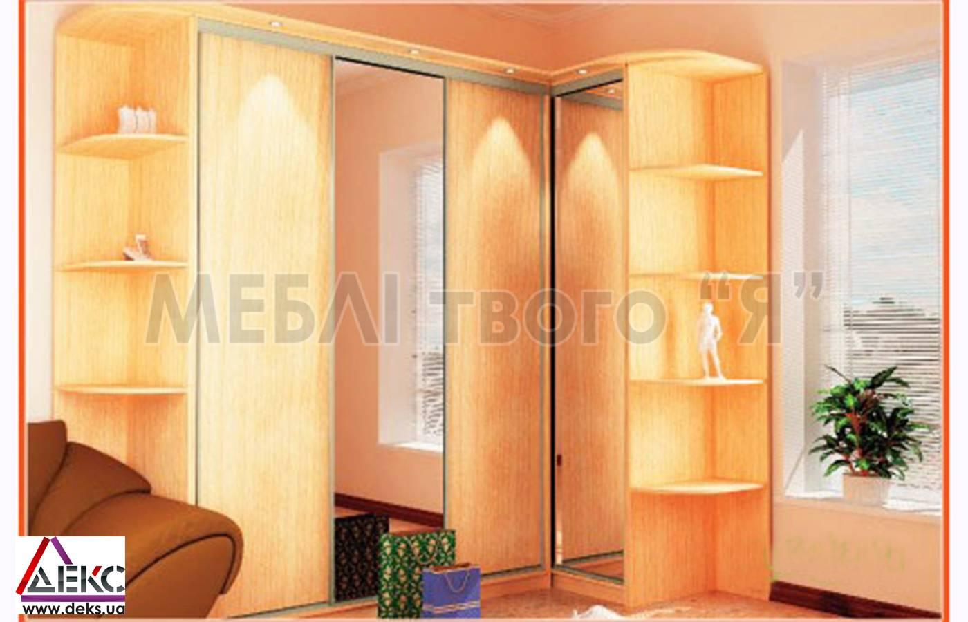 Шкафы-купе в интерьере (68 фото): дизайн прихожей и гостиной.